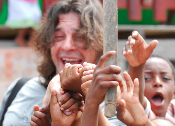Osvaldo Laport, Buena Voluntad del Alto Comisionado de las Naciones Unidas para los Refugiados (ACNUR), global education magazine